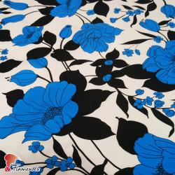 AINOA. Tela satinada elástica, perfecta para trajes de flamenca muy entallados. Estampado floral.