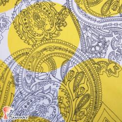 CANELA. Tela de satén/ elástico, perfecto para trajes de flamenca entallados. Lunar de 10 cm. de diámetro.