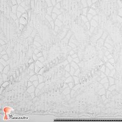 RUDY. Tela de tul combinada con malla y bordado con hilo de rayón.