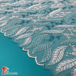 BAY. Tejido de tul bordado. En la imagen, combinado con crep (modelo DAMA).